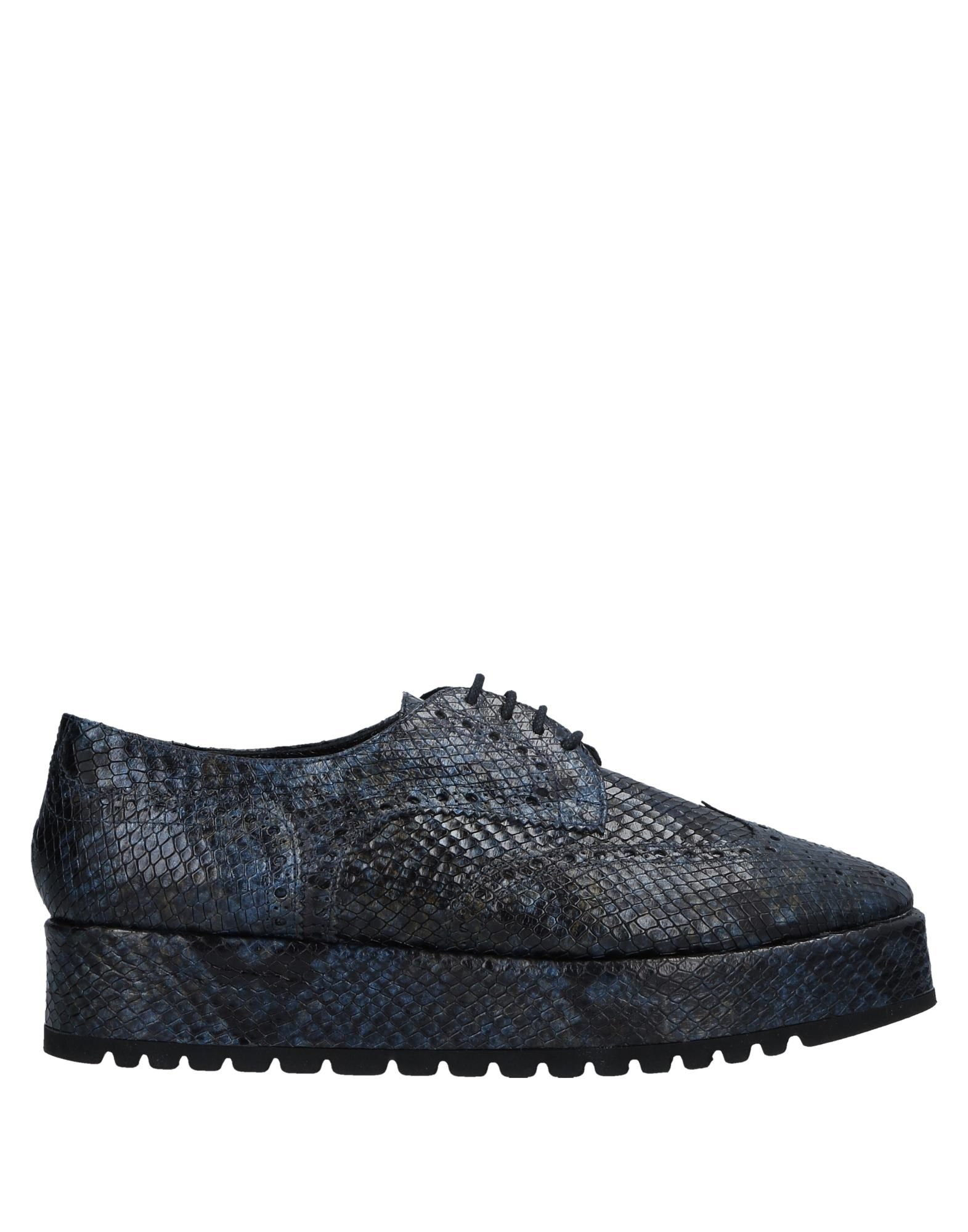 LOLO Laced Shoes in Dark Blue