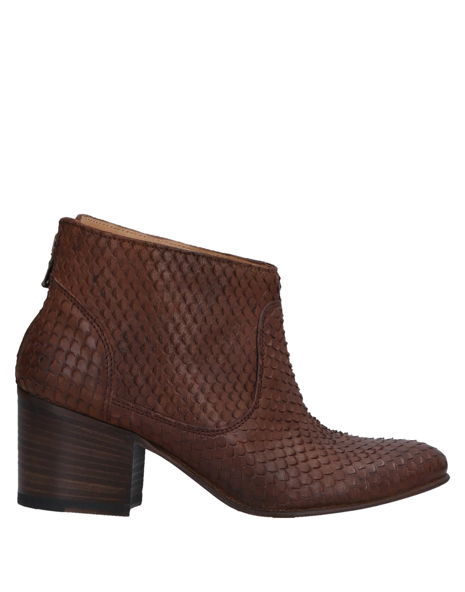 SEBOY'S Ankle Boot in Brown
