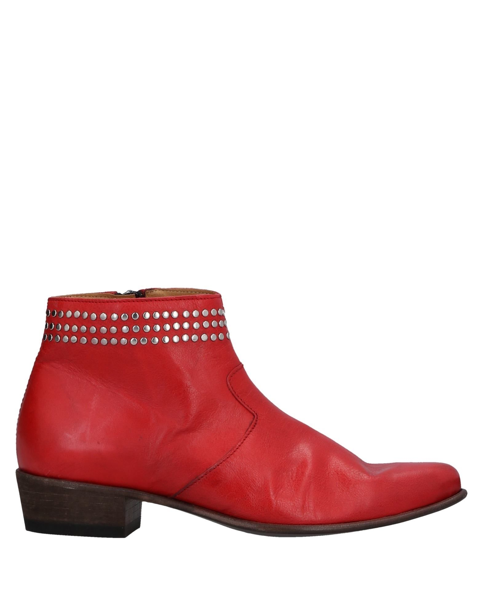 SEBOY'S Ankle Boot in Red