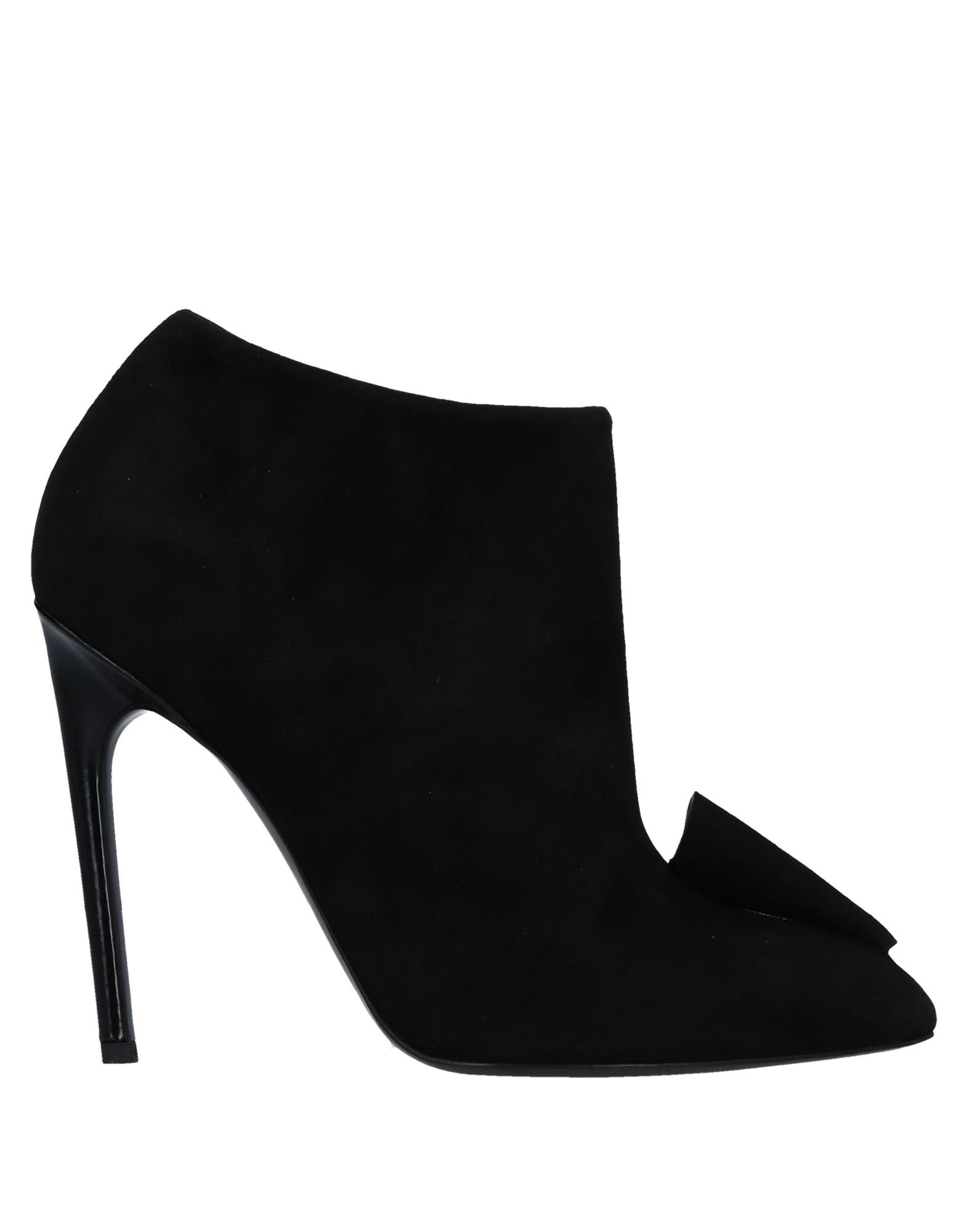 ALAIN TONDOWSKI Ankle Boot in Black