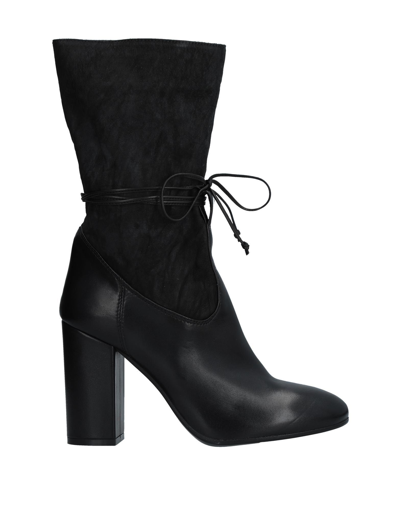 FIORIFRANCESI Ankle Boot in Black