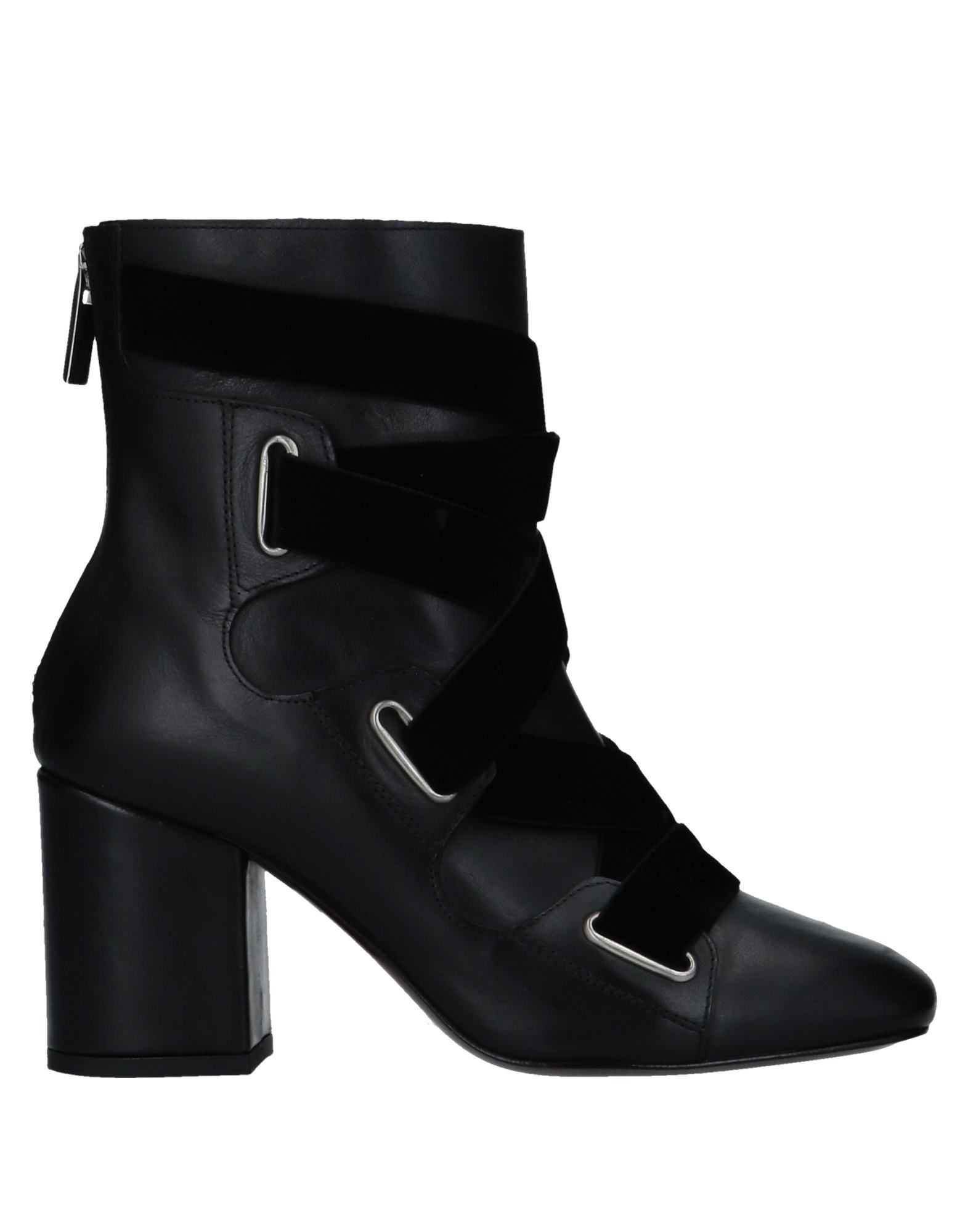 WO MILANO Ankle Boot in Black