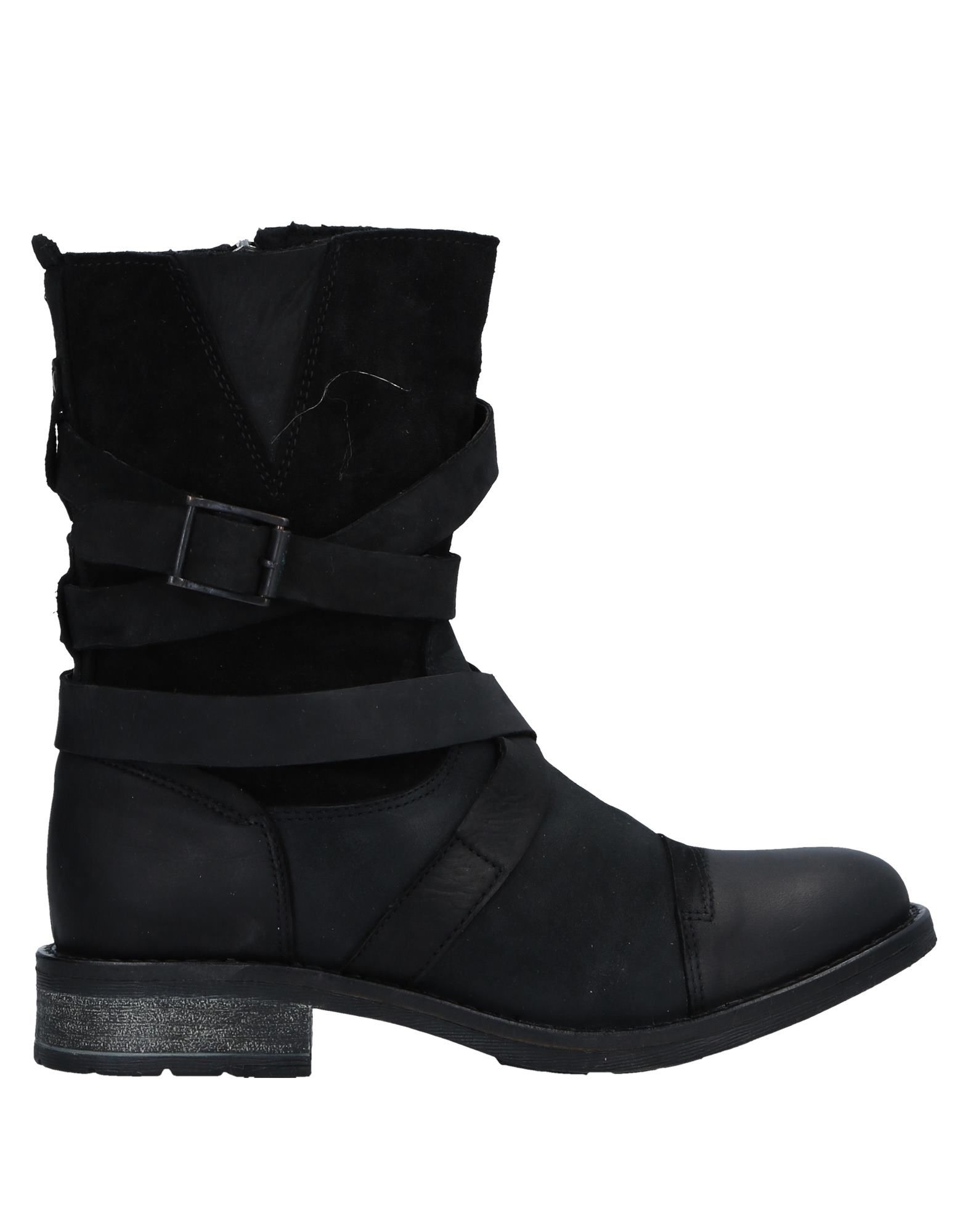 MDK Ankle Boot in Black