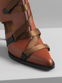 Tracy cut-out boot