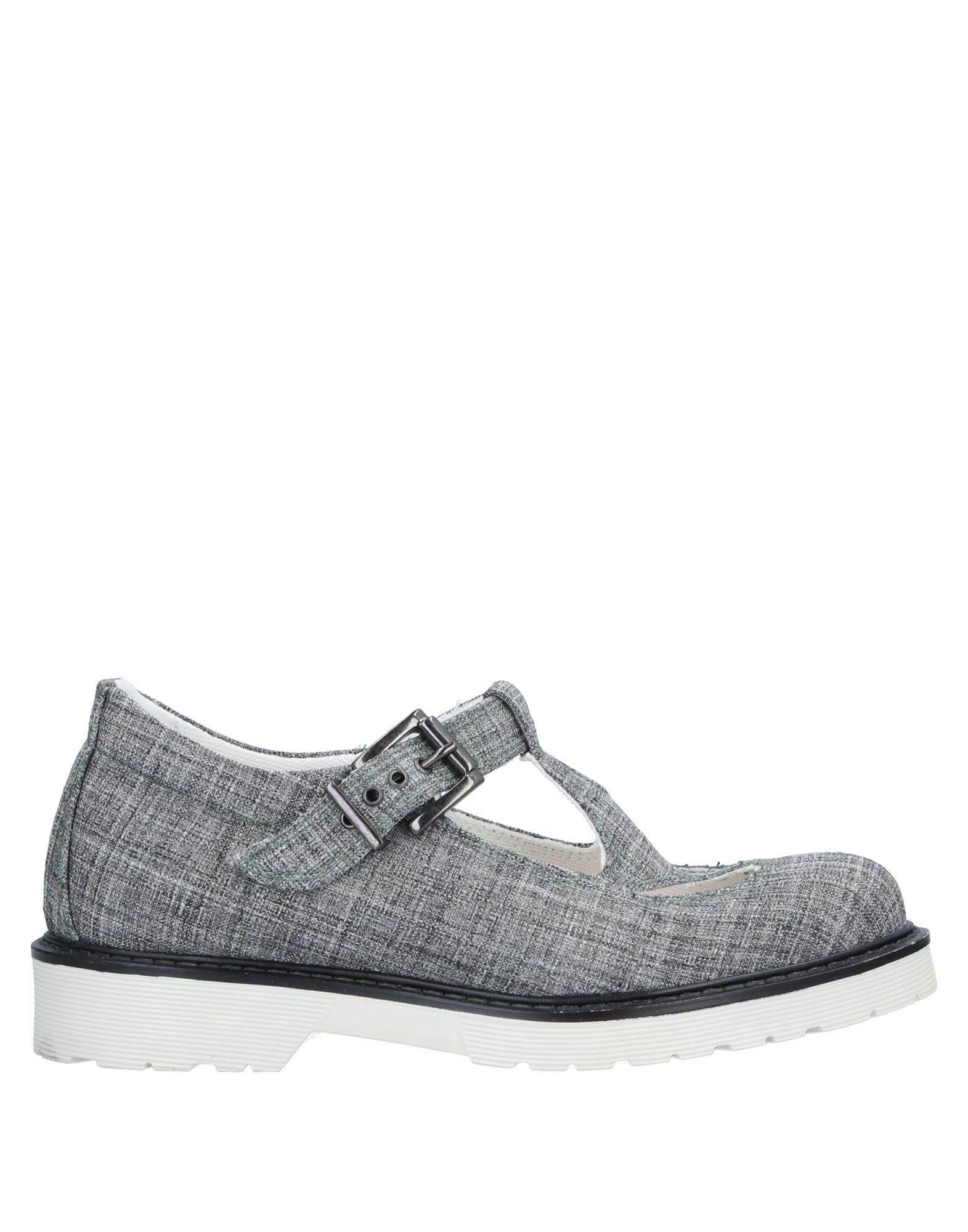 TIPE E TACCHI Sandals in Grey