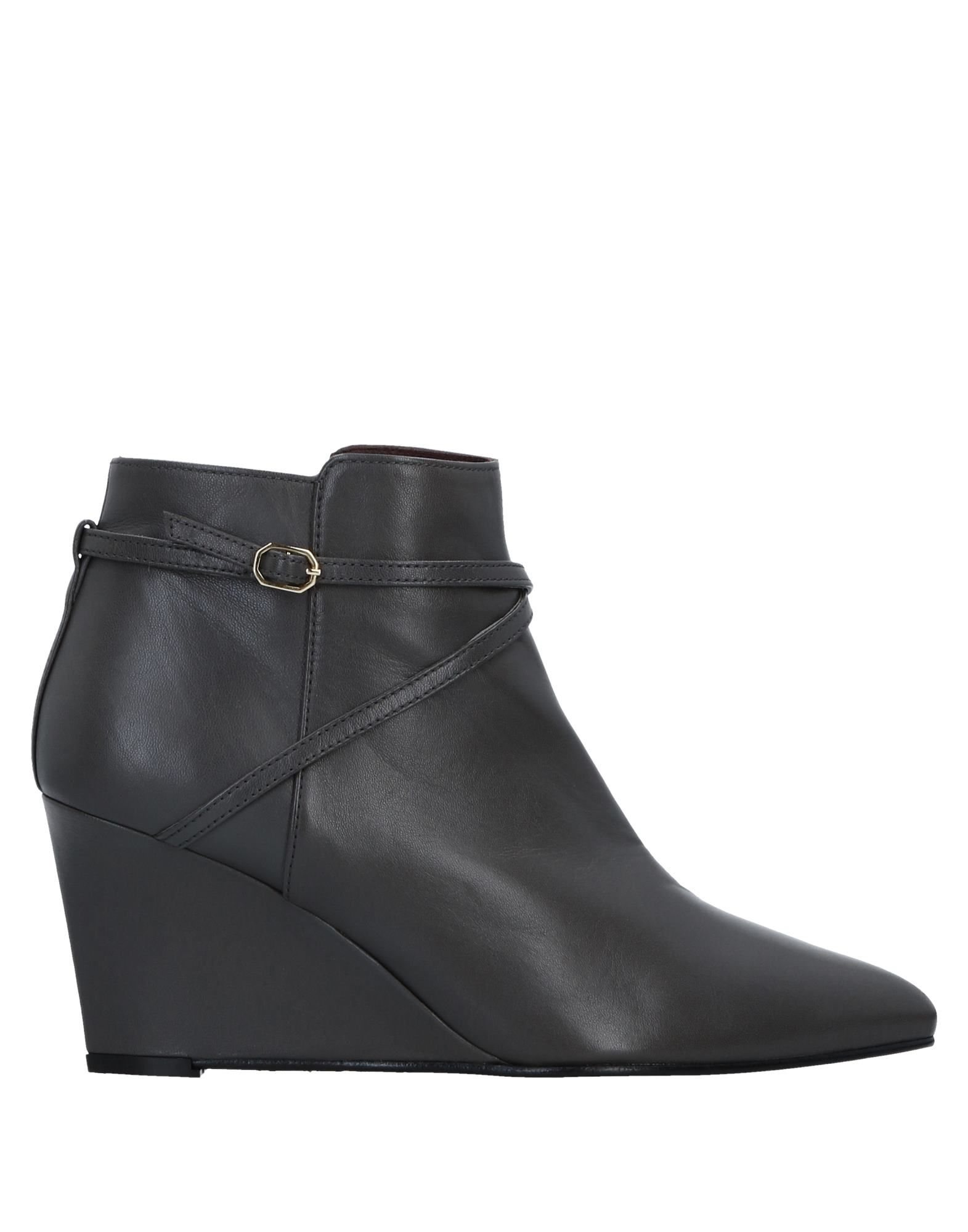 AVRIL GAU Ankle Boot in Lead