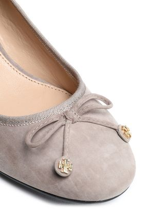 dbdd3514d5fc ... TORY BURCH Bow-detailed suede pumps ...
