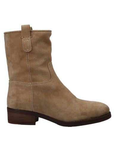 Купить Полусапоги и высокие ботинки от EL CAMPERO цвет песочный