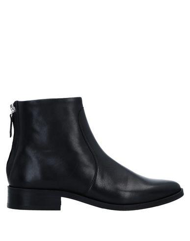 Полусапоги и высокие ботинки от ROYAL REPUBLIQ
