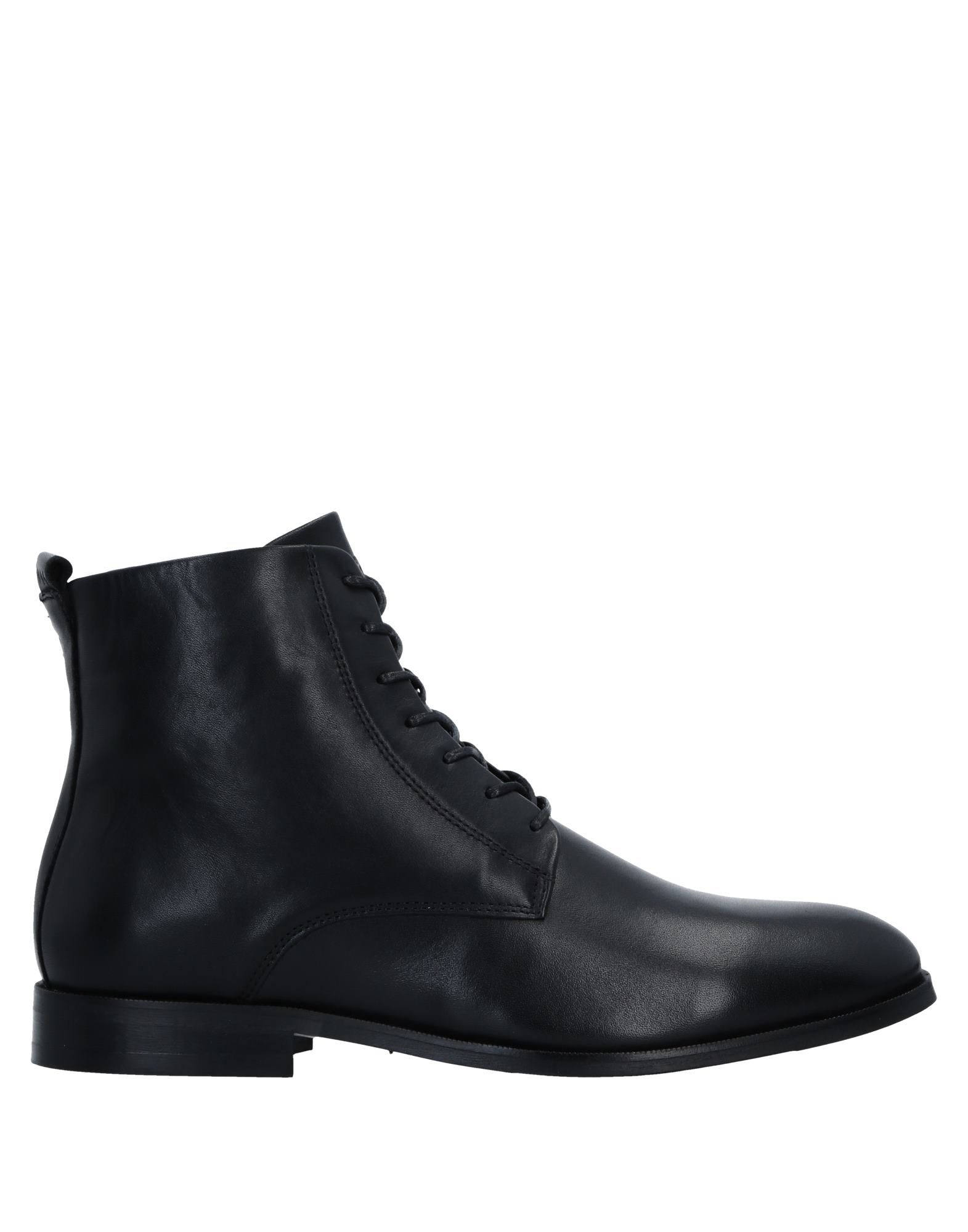 ROYAL REPUBLIQ Boots in Black