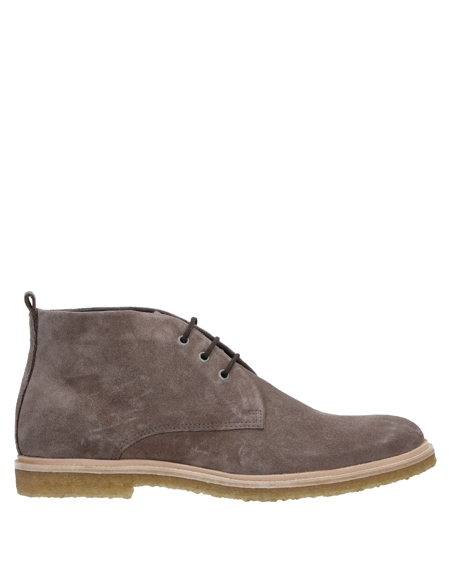 ROYAL REPUBLIQ Boots in Grey