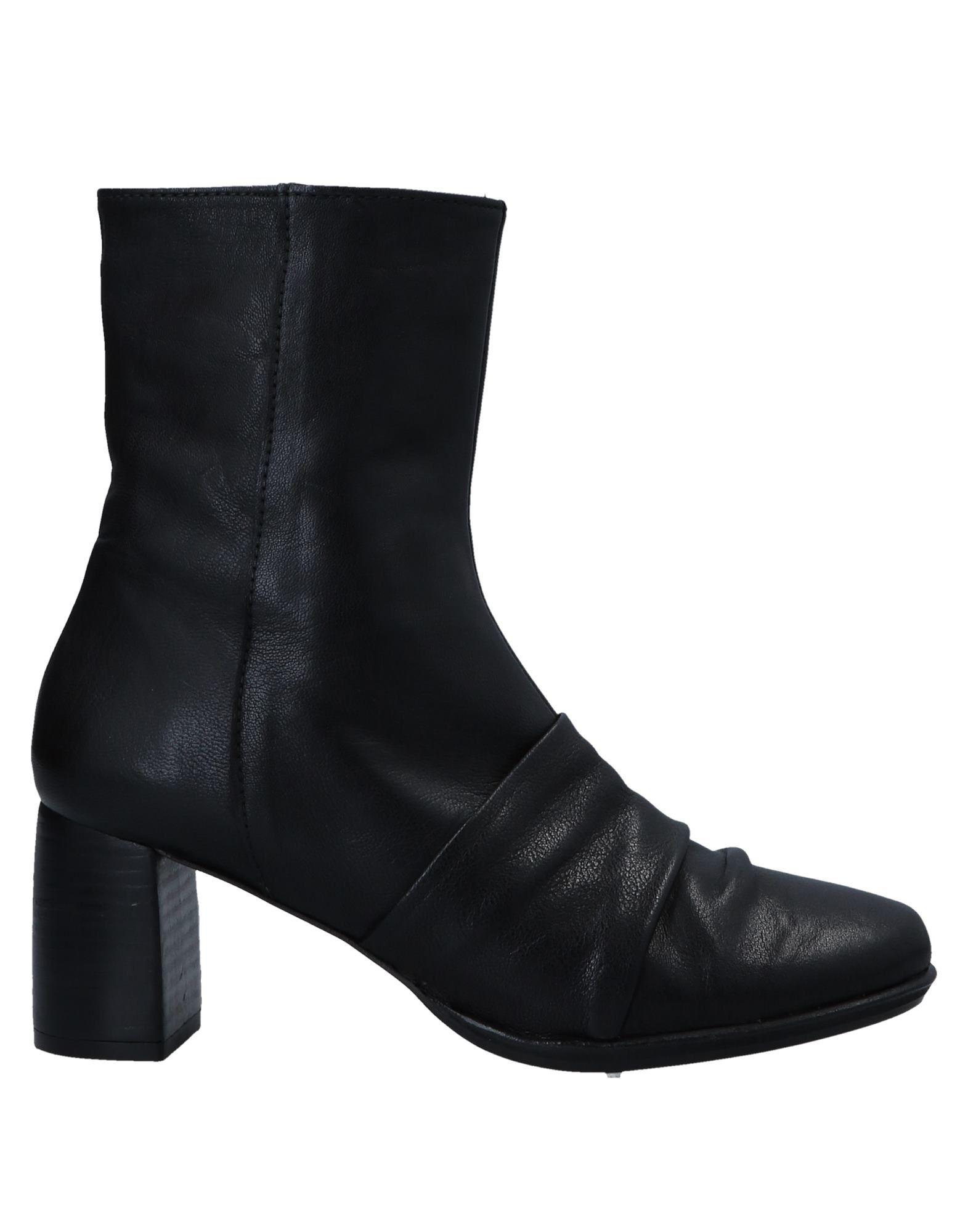 ANAID KUPURI | ANAID KUPURI Ankle boots 11546141 | Goxip
