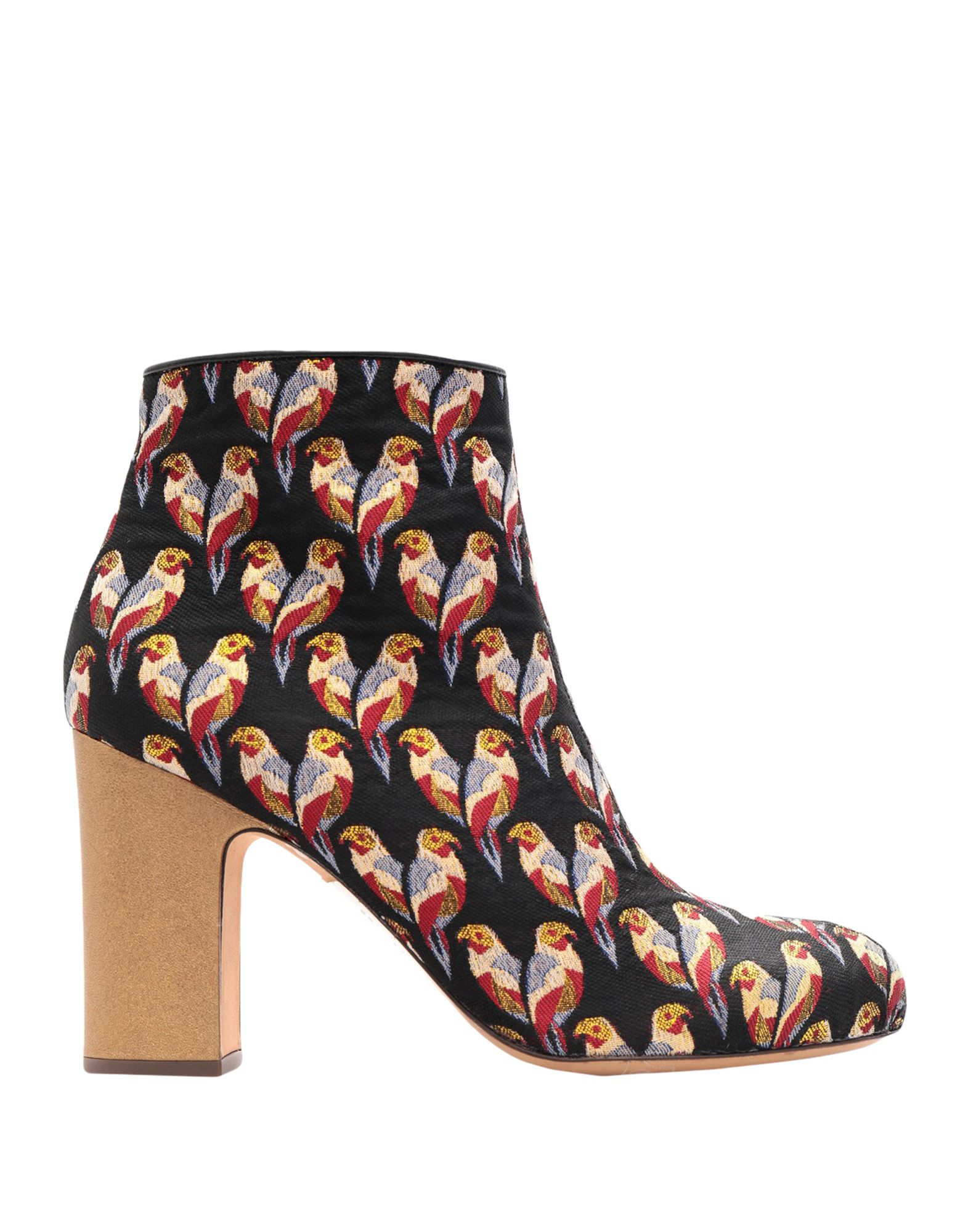 CHIE by CHIE MIHARA Полусапоги и высокие ботинки