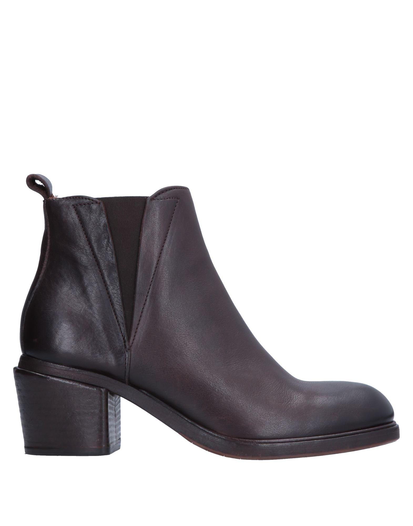 ELIA MAURIZI   ELIA MAURIZI Ankle boots   Goxip
