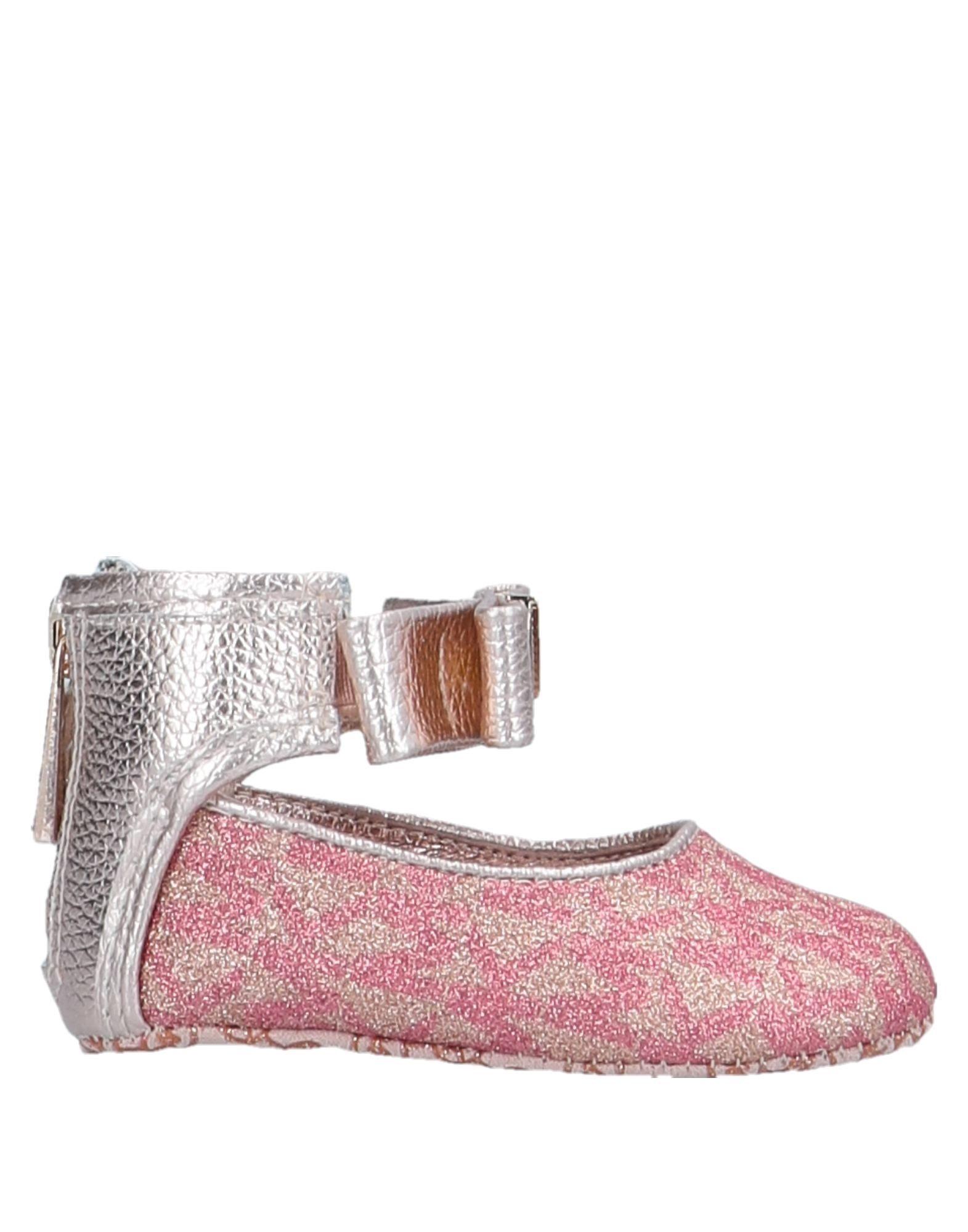 цена на MICHAEL MICHAEL KORS Обувь для новорожденных