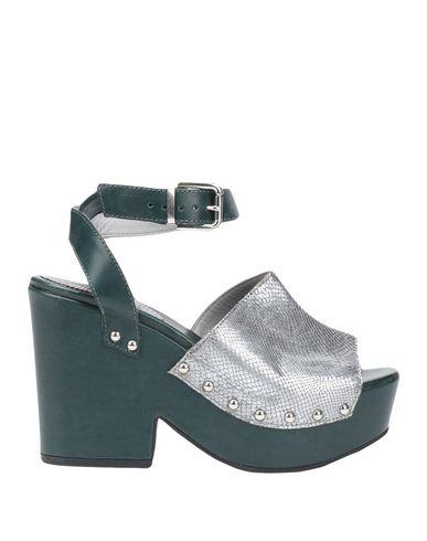 Фото - Женские сандали GARRICE серебристого цвета