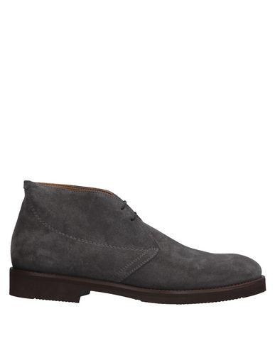 Полусапоги и высокие ботинки от J.WILTON