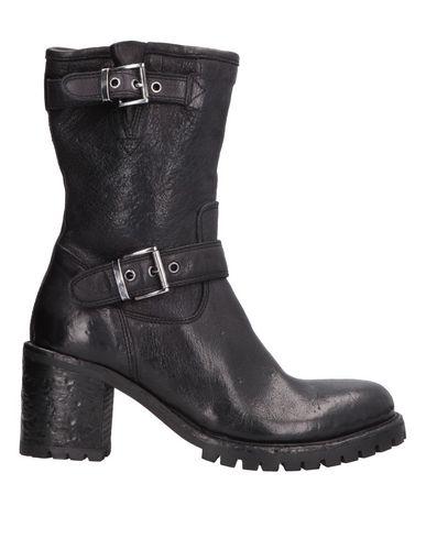 Фото - Полусапоги и высокие ботинки от OPEN CLOSED  SHOES черного цвета