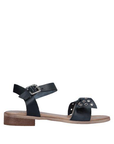 Фото - Женские сандали DONNA ITALIA черного цвета