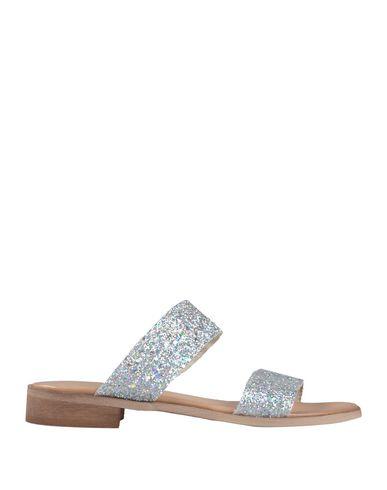 Фото - Женские сандали DONNA ITALIA светло-серого цвета
