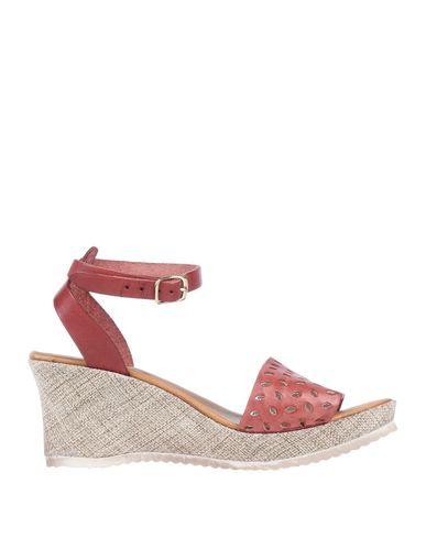 Фото - Женские сандали DONNA ITALIA красного цвета