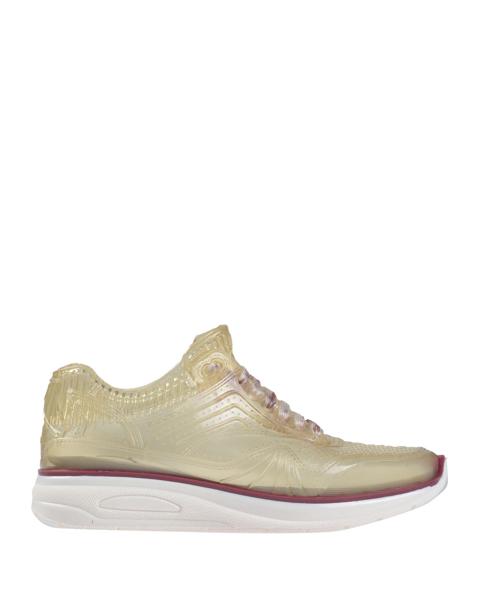 Ishu+ Sneakers