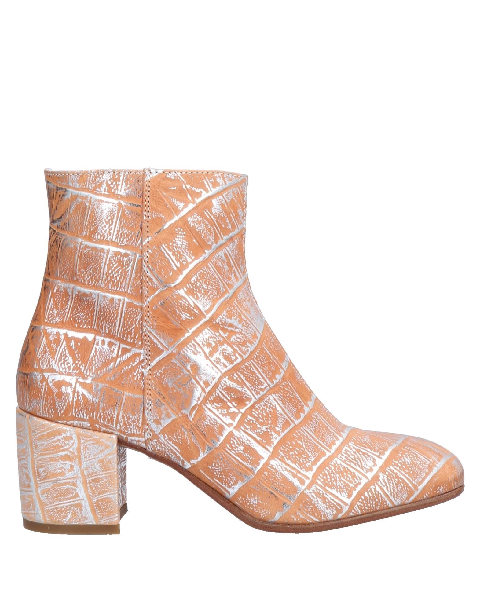 meet c381d cf78a Ankle Boots in Sand