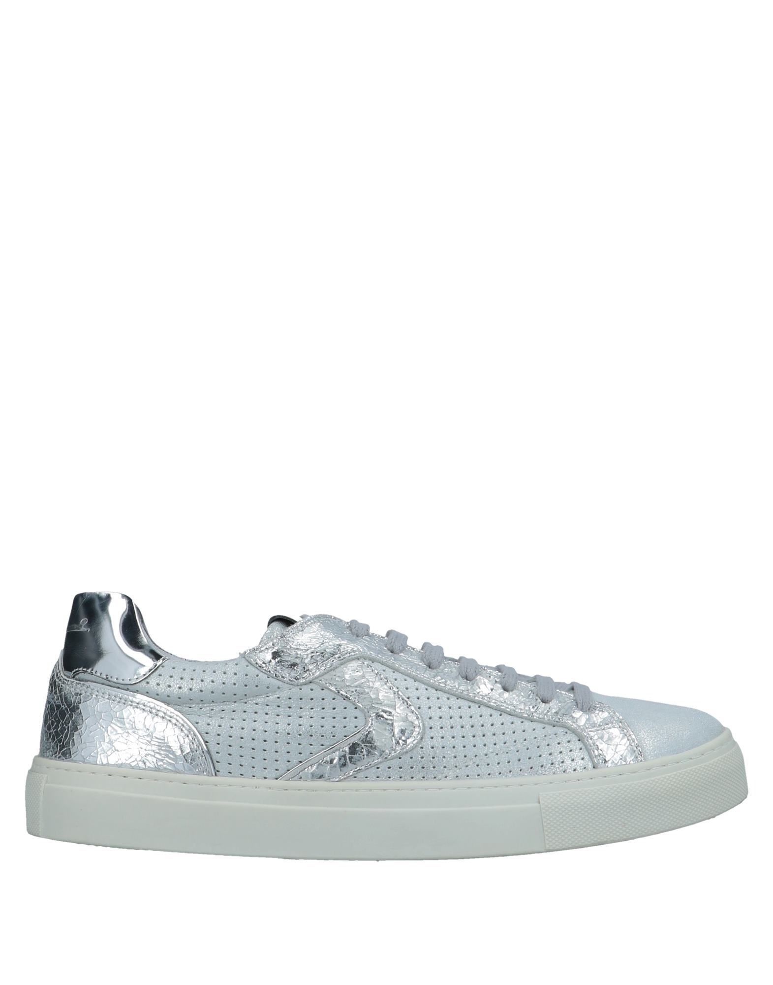 VOILE BLANCHE Sneakers in Light Grey