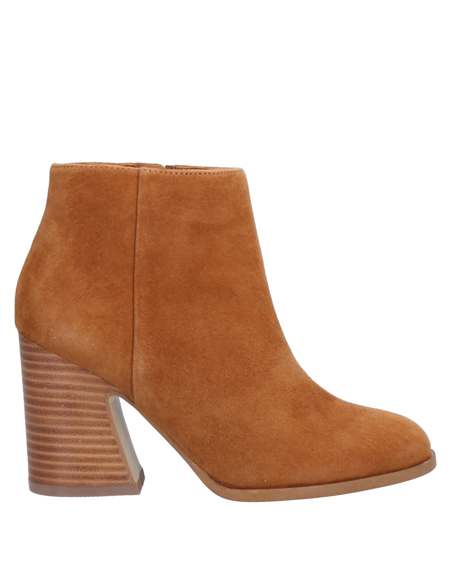 MELLOW YELLOW Ankle Boots in Camel