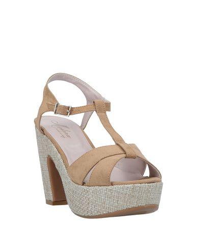 Фото 2 - Женские сандали MEDORA цвета хаки