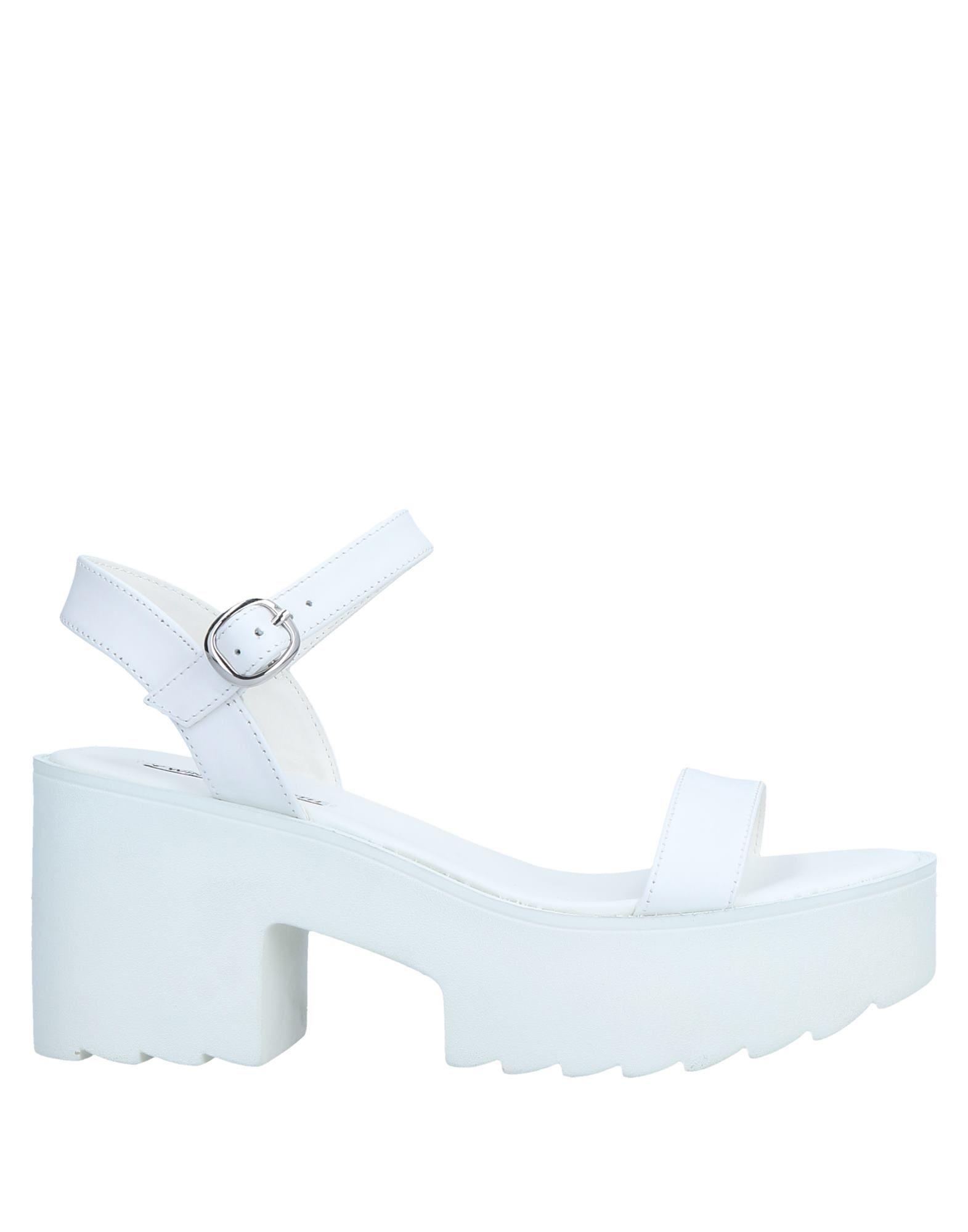 купить сандалии для девочки