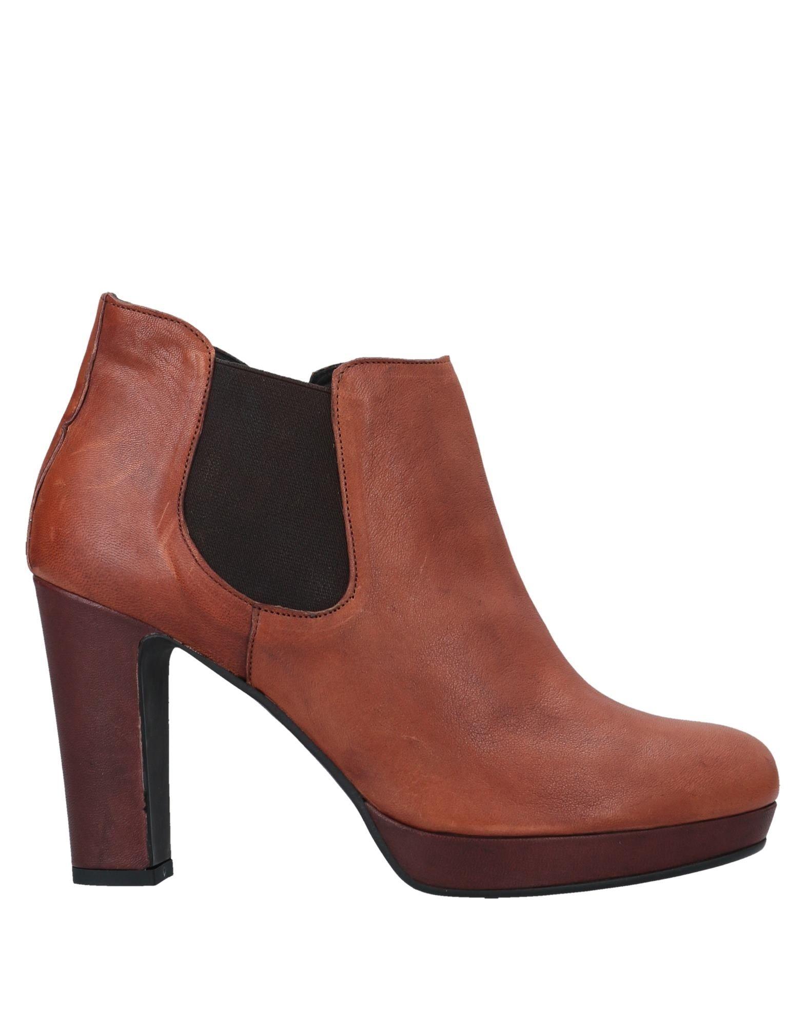 VIVIEN Полусапоги и высокие ботинки vivien lee полусапоги и высокие ботинки