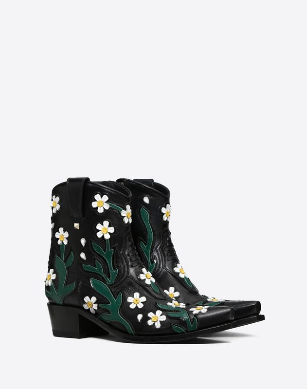 Cowboy Ankle Boot with embroidered flowers