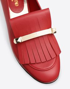 Fringe flat loafer