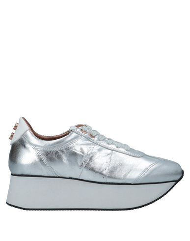 Фото - Низкие кеды и кроссовки от ALEXANDER SMITH серебристого цвета