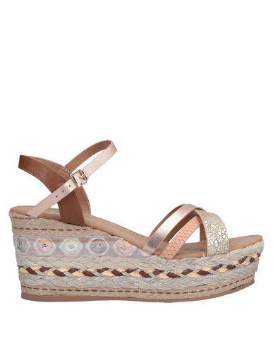 Купить Женские сандали  коричневого цвета