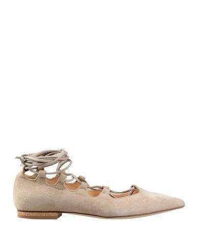 Фото - Женские балетки CARRIE LATT бежевого цвета