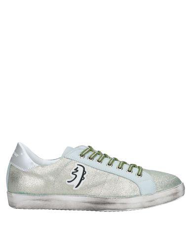 Купить Низкие кеды и кроссовки светло-зеленого цвета