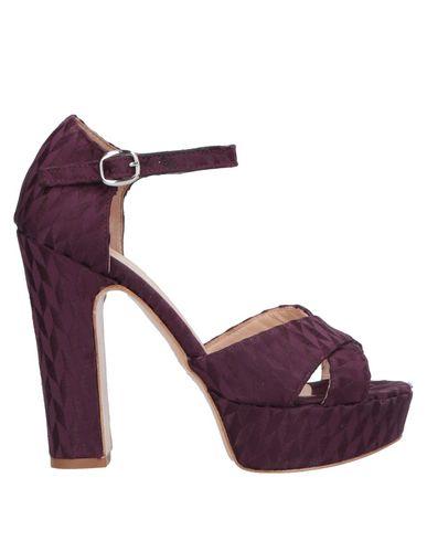 Купить Женские сандали  фиолетового цвета