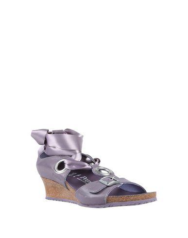 Фото 2 - Женские сандали  сиреневого цвета