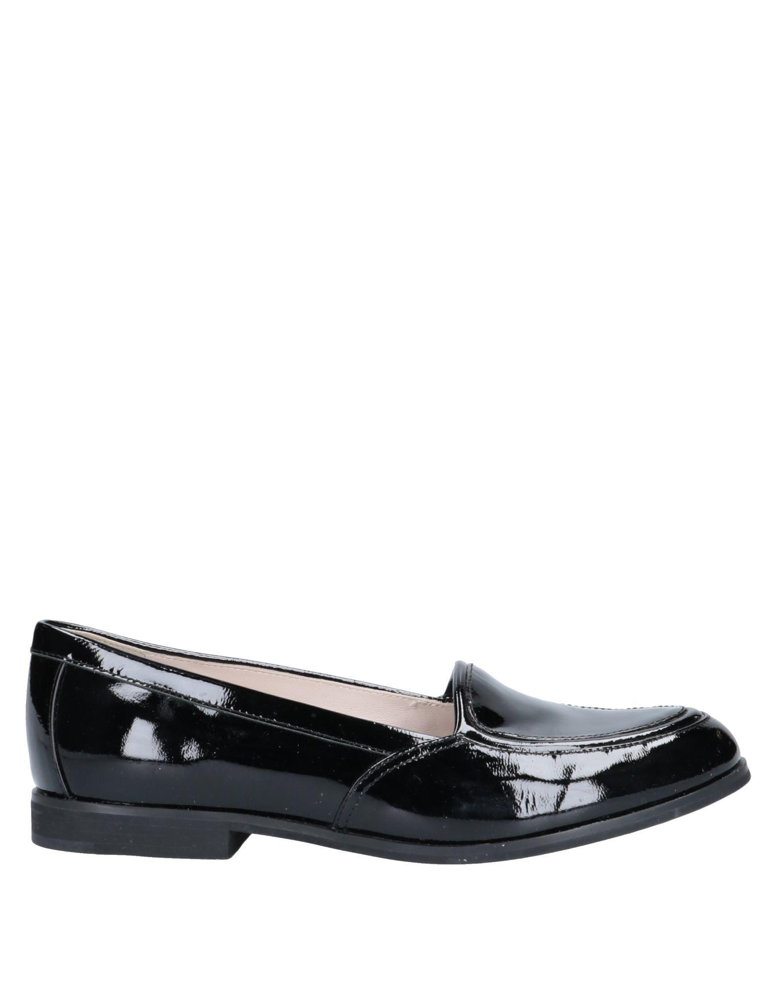женские туфли черно белые