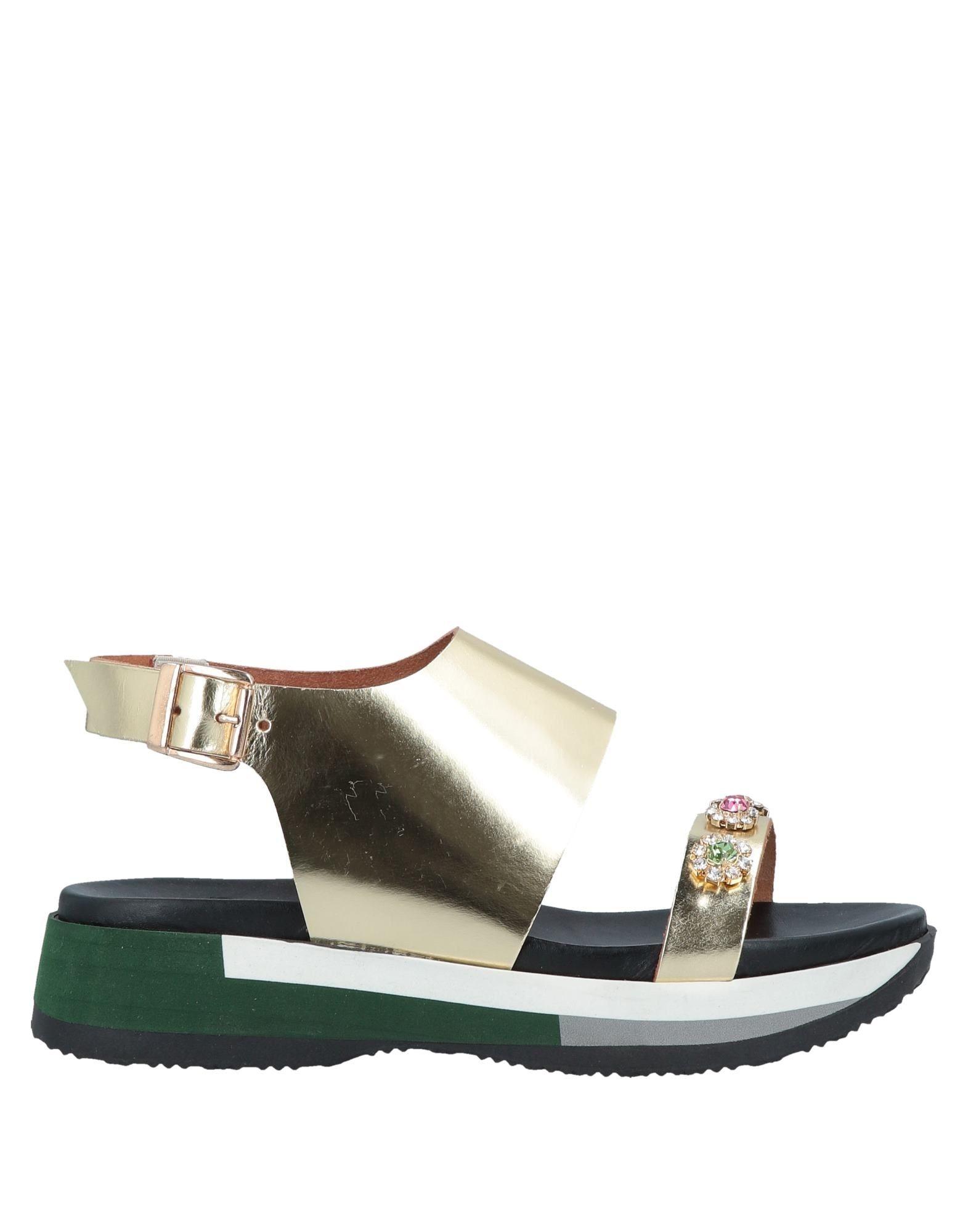 TIPE E TACCHI Сандалии tipe e tacchi сандалии