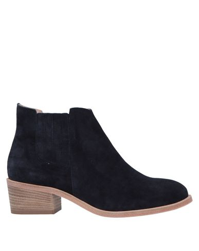 Полусапоги и высокие ботинки от LE BLE