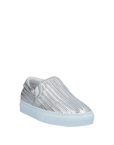 Фото 2 - Низкие кеды и кроссовки от STOKTON серебристого цвета