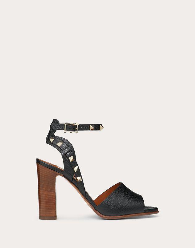 Sandales avec bride en veau grainé. Talon: 100 mm