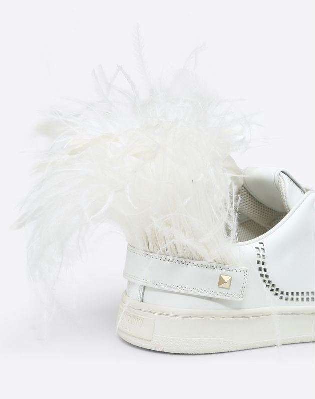 Sneaker with VLOGO Detail and Feathers