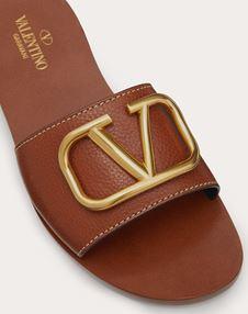 Grainy Cowhide Slide Sandal with VLOGO Detail