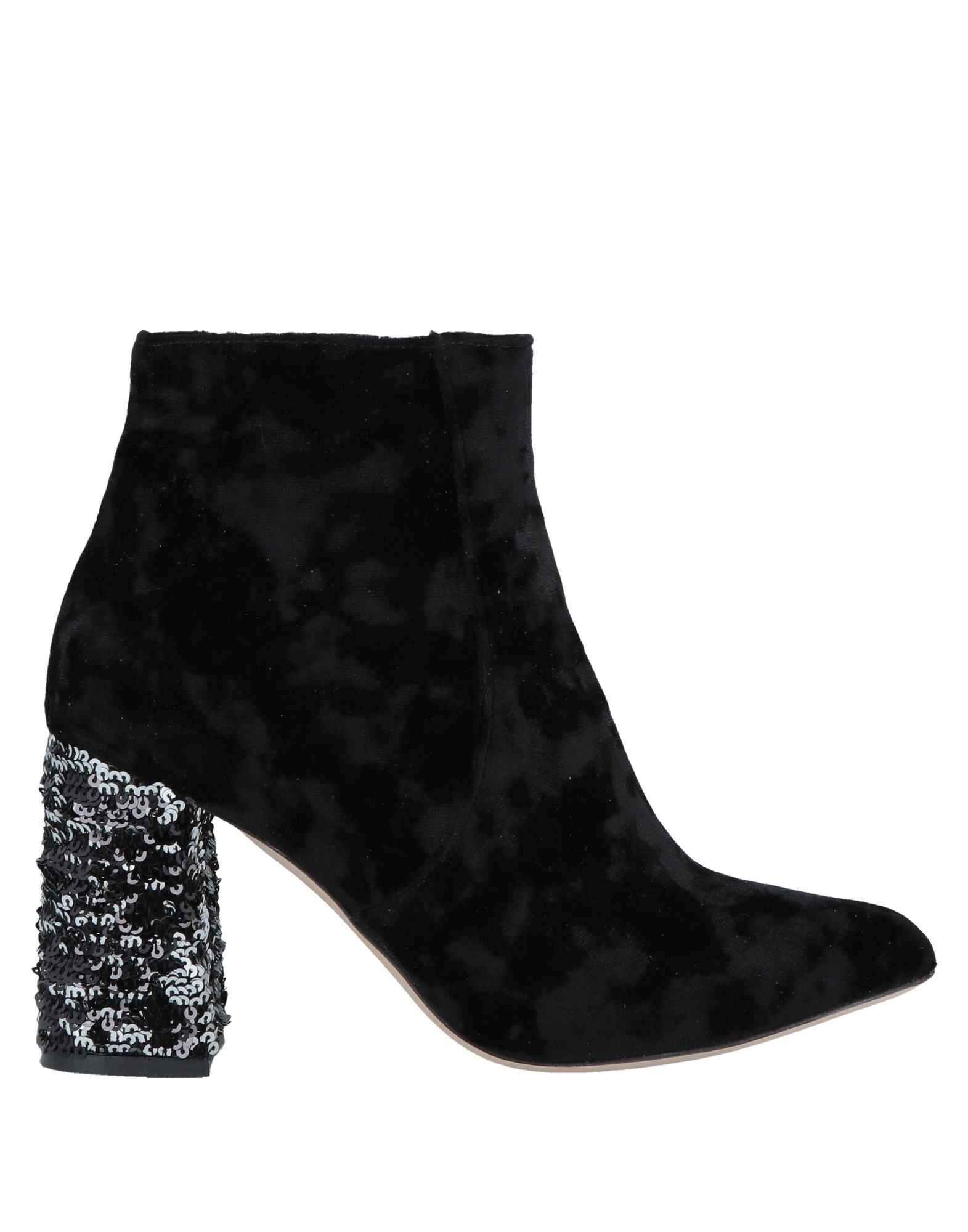 BAMS Ankle Boots in Black