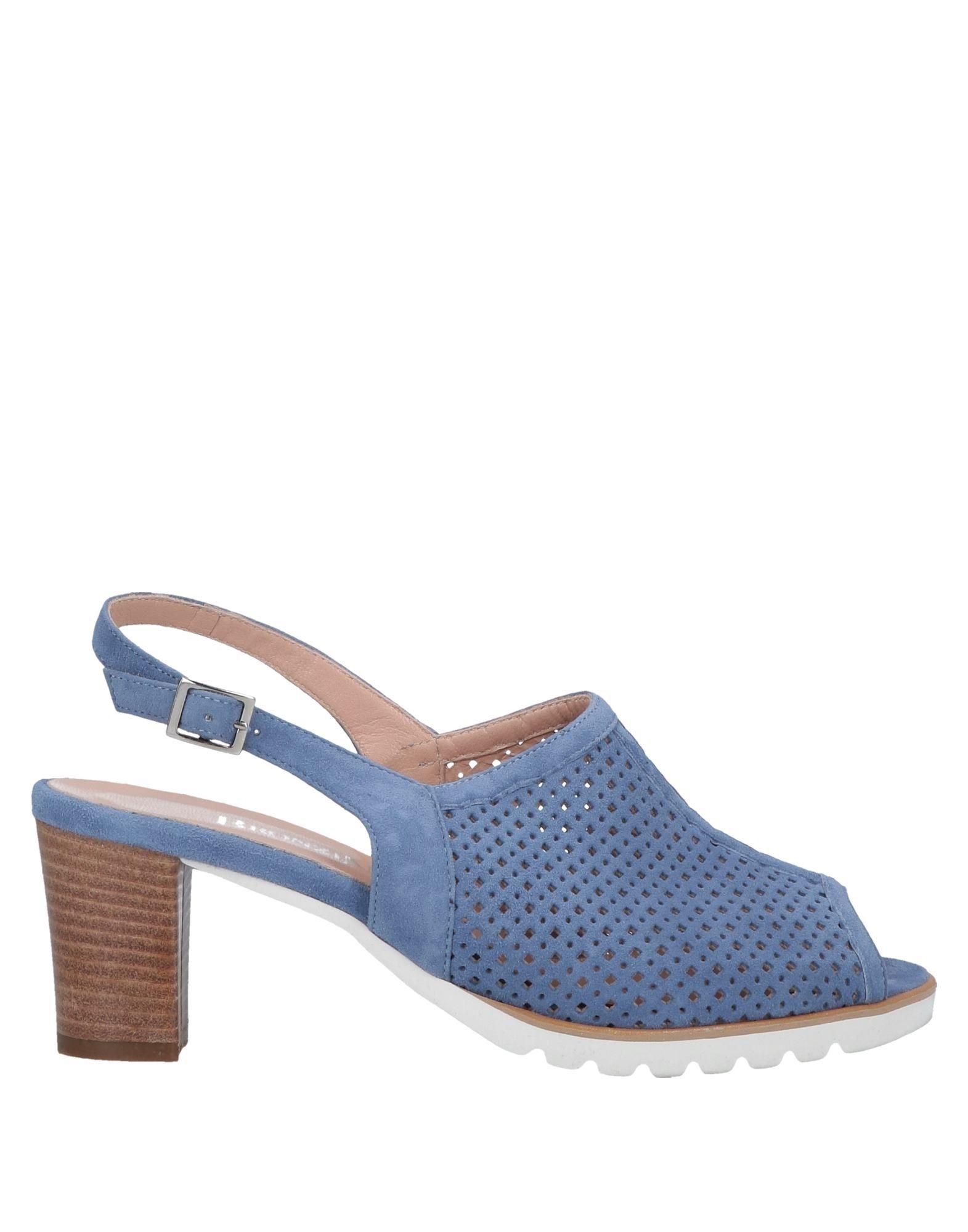 3fae46715 Sandals   Flip-Flops - Buy Best Sandals   Flip-Flops from Fashion  Influencers