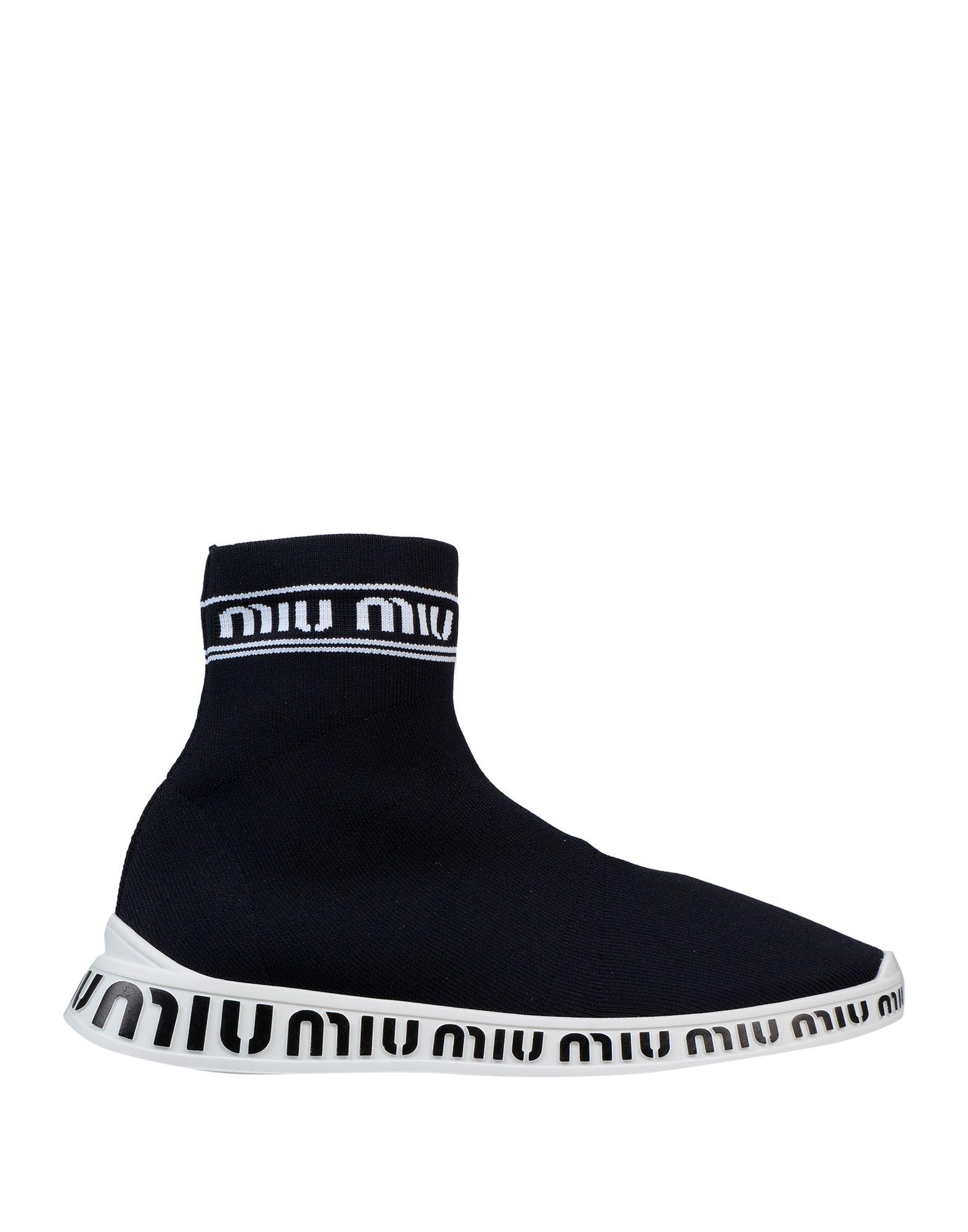 цена MIU MIU Высокие кеды и кроссовки онлайн в 2017 году